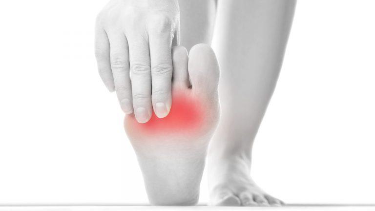 Metatarsalgia: cause e rimedi per tornare a camminare bene